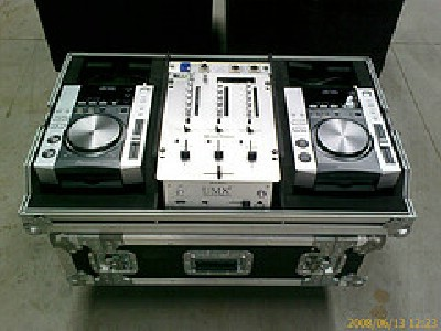 for sale brand new full dj set pioneer cdj 1000mk3 djm 800 and hdj 1000 1800euro annonser. Black Bedroom Furniture Sets. Home Design Ideas